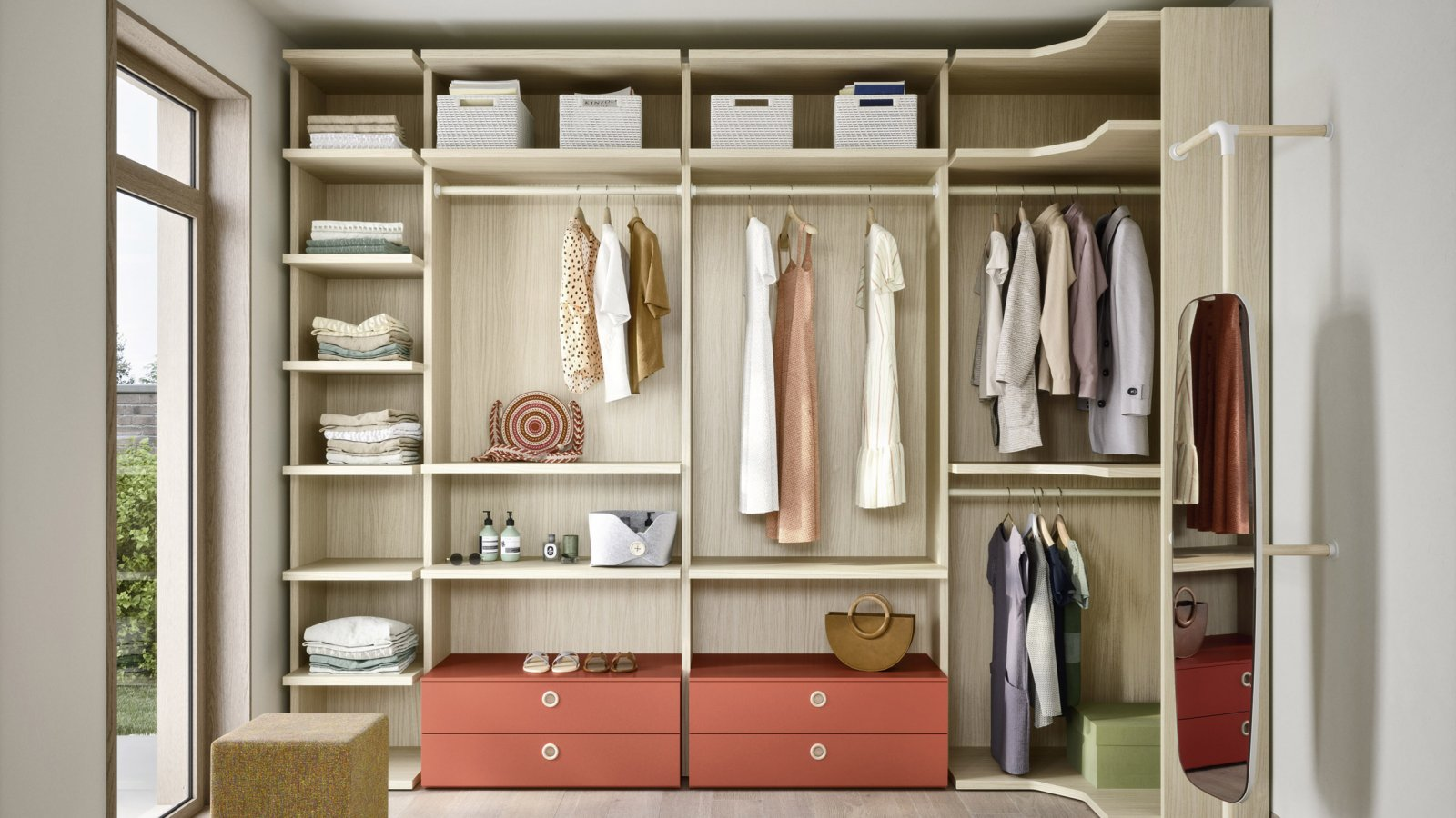 Demo walk-in closet