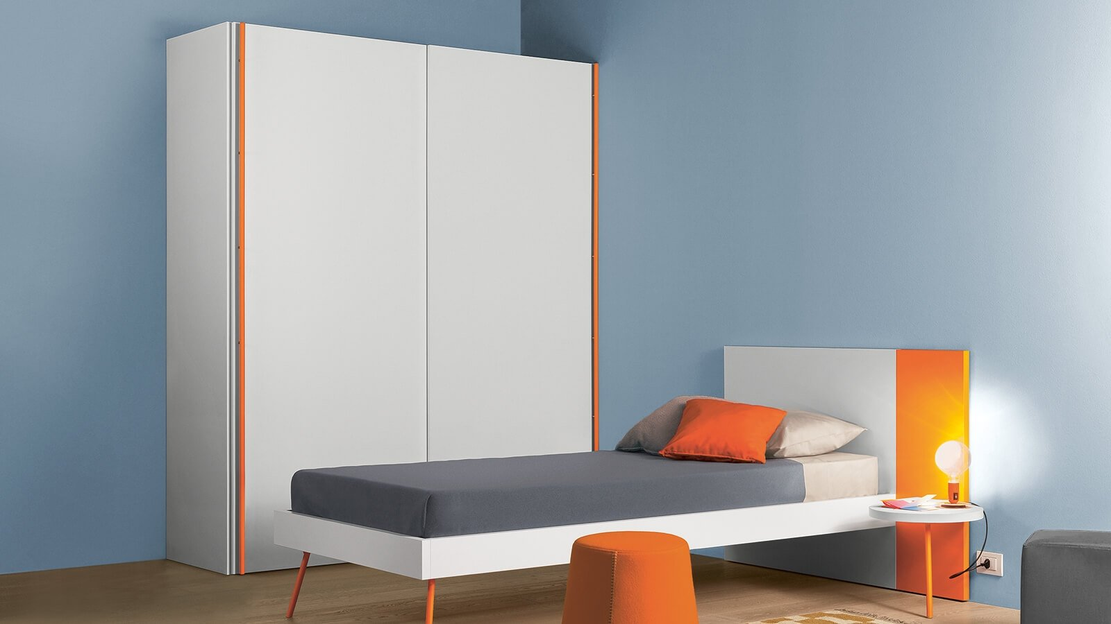 Wardrobe with Ben sliding door